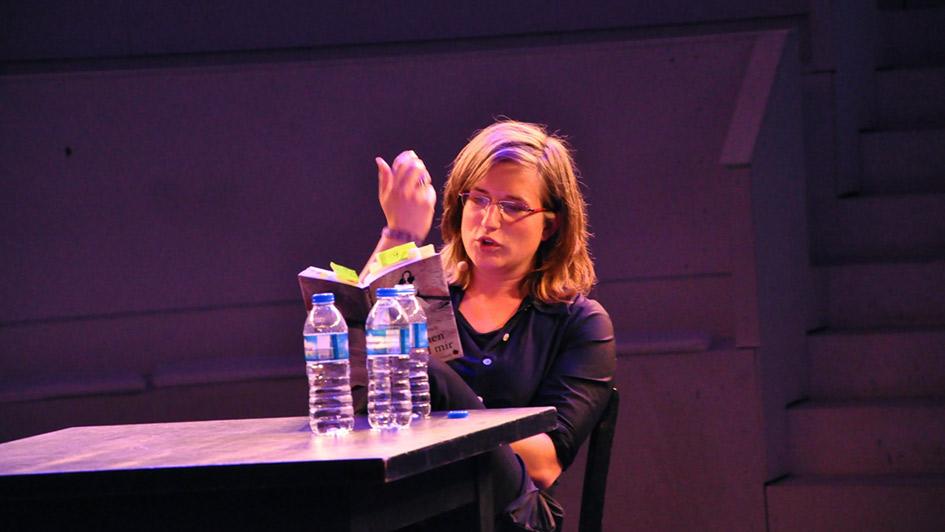 Charlotte Fritsch 2013 im Schauspielhaus Leipzig (Bild: Marion Alexa Müller). Edition Blickpunkt. Periplaneta Verlag Berlin
