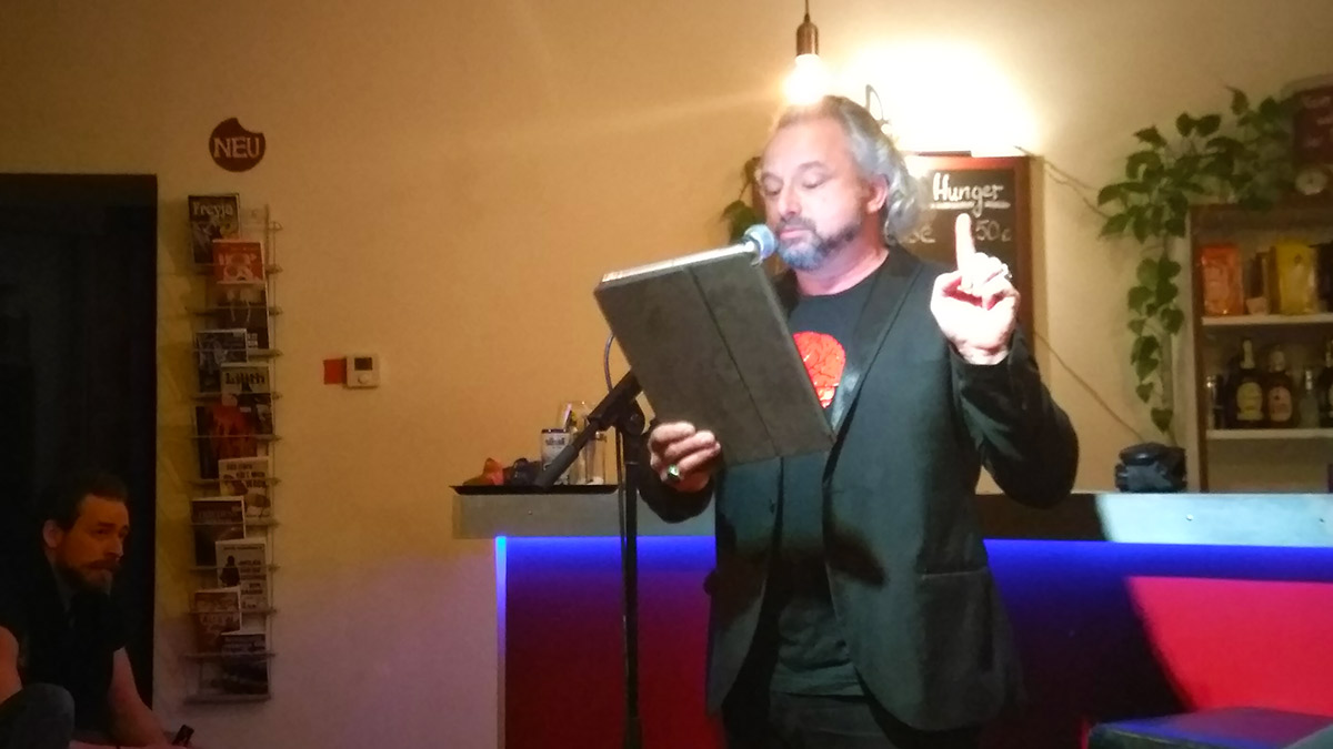 Roman Shamov beim Periplaneta Tresenlesen 2020